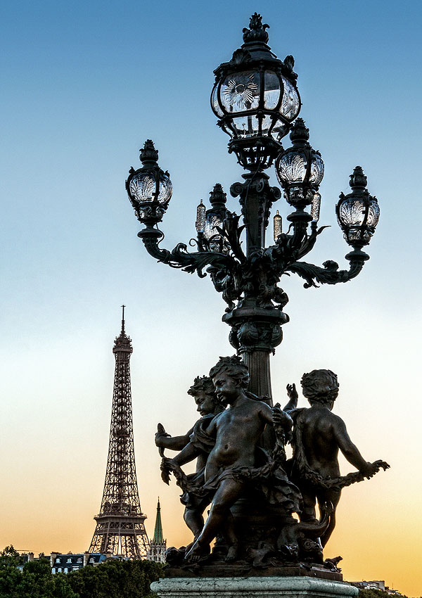 Lamp post with Eiffel Tower